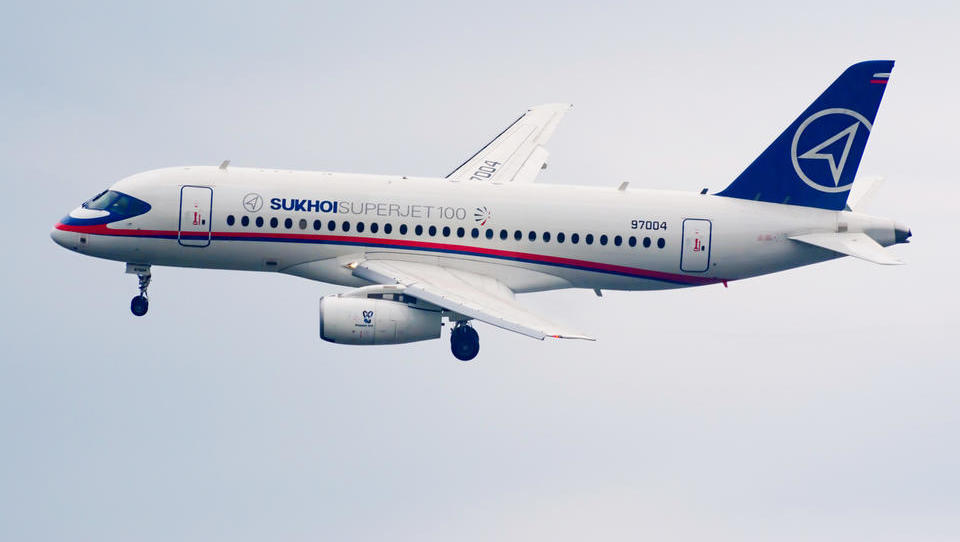 Adria Airways hoče v Evropo pripeljati ruska letala SSJ100