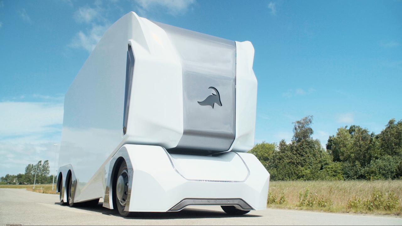Prihajajo prvi tovornjaki brez vozniške kabine
