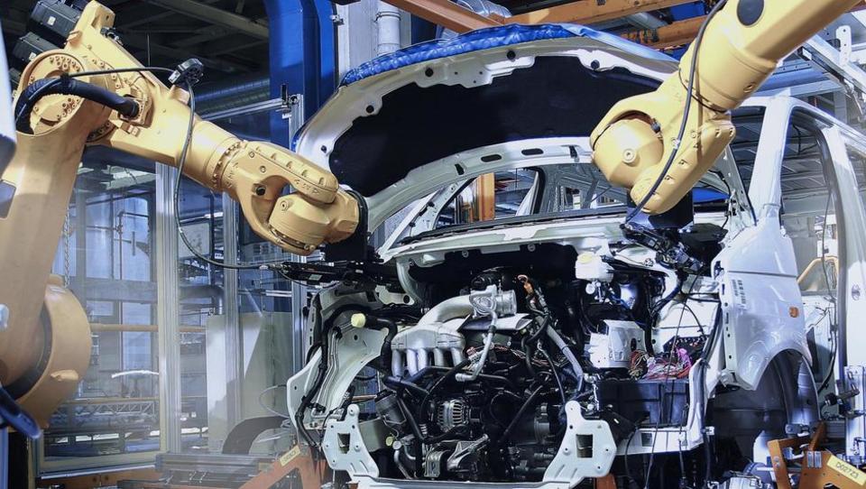 Pozitivna avtomobilska Evropa in Slovenija, upad lahko prinese le brexit