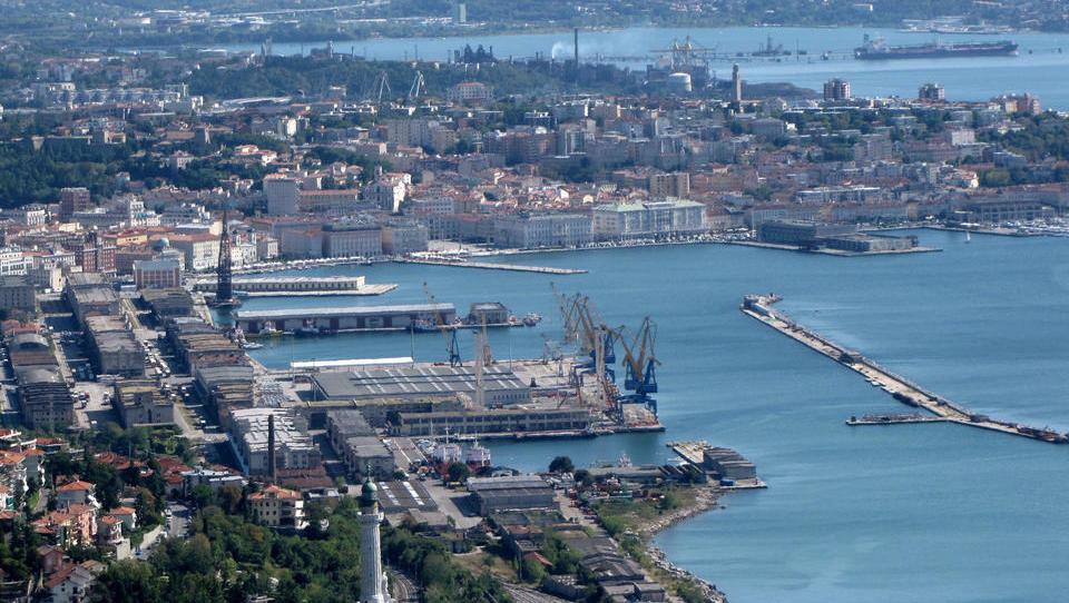 Tekma med Trstom in Koprom: kdo hitreje pobira kontejnerje