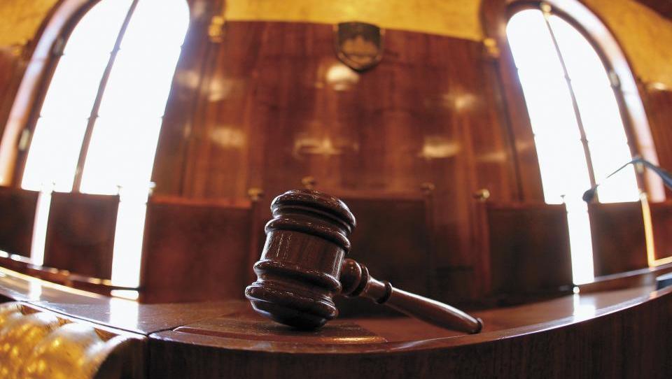 Vrhovno sodišče: United Groupu še ni treba prodati športnih programov