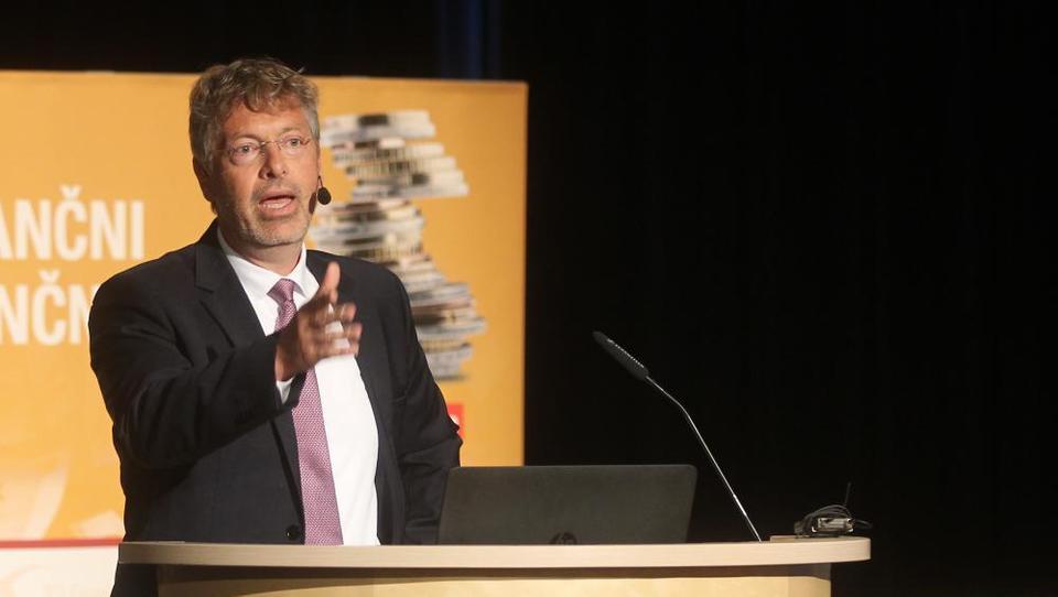 Vorndran na Finančni konferenci: Evro bo dolgoročno propadel, Nemčija se bo vrnila k marki
