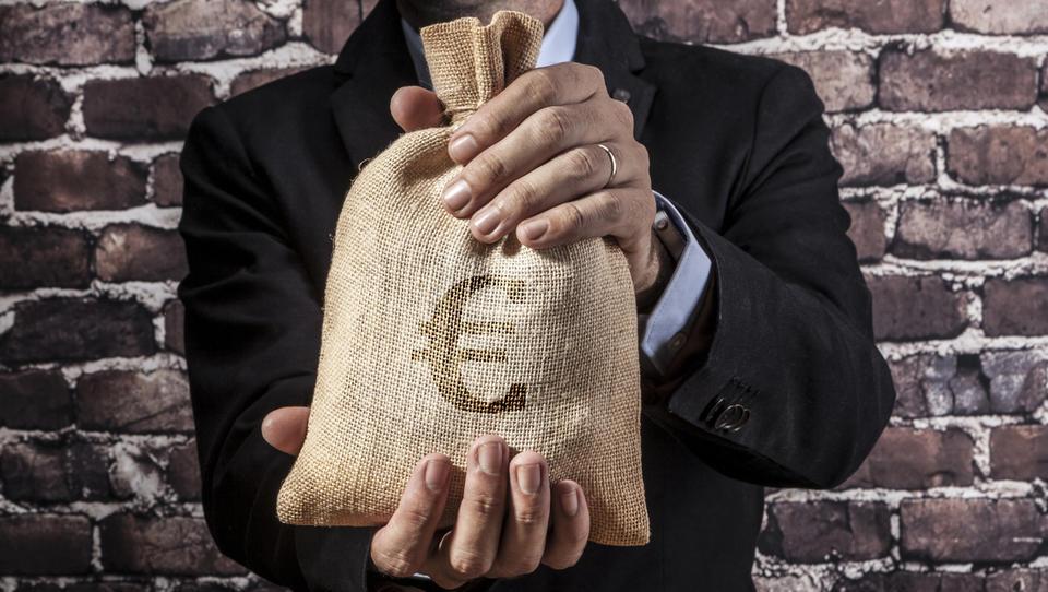 Država bo v nove grozde dala 10 milijonov evrov; kdo bo imel od tega koristi