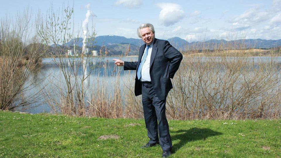 To je britanski producent, ki obljublja »filmsko« prihodnost Velenjskega jezera
