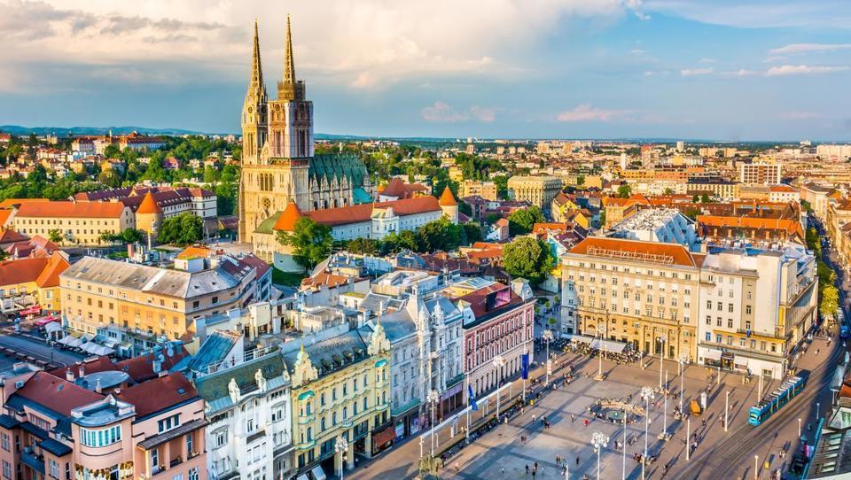 Hitri pregled tedna: Hrvati in Črnogorci gradijo hotele, Nemci pa investirajo v Avstriji in Makedoniji