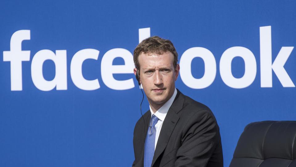 (škandal z zlorabo podatkov) Šef Facebooka Zuckerberg se je končno oglasil