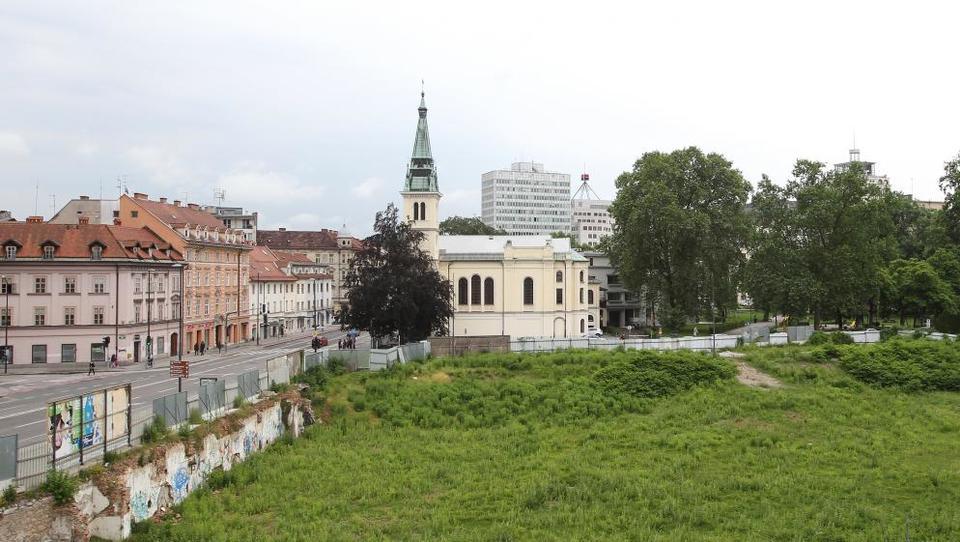 Kdo so Južnoafričani, ki so se vzeli od nikoder in kupujejo nasedle projekte v Ljubljani?