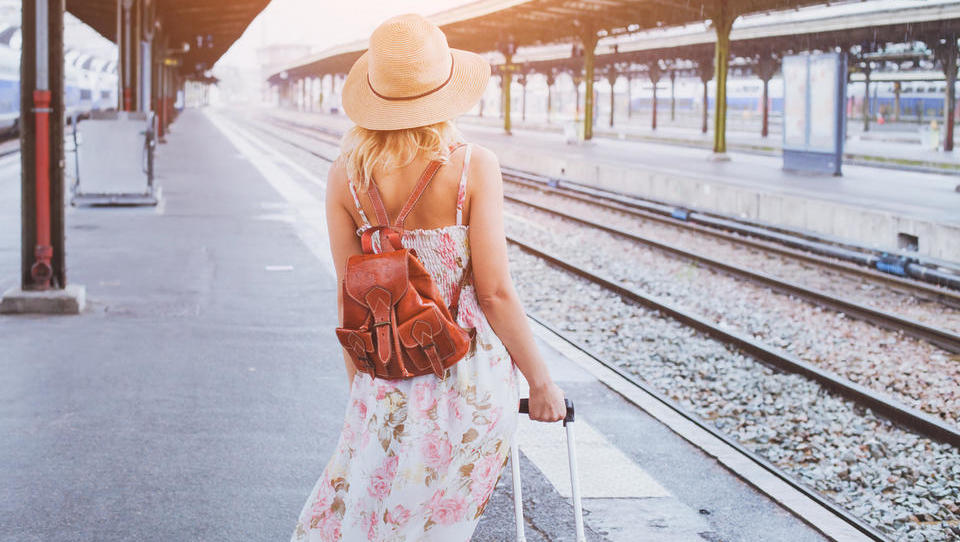 Kako so davčne blagajne in mrtvoudnost železnic udarili po turistih...