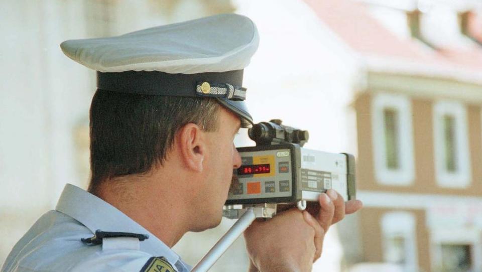 Objavljamo 600 lokacij, kjer vas bodo jutri lovili radarji